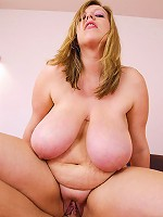 Amber Hall is one of those plumpers that you cant help but to drool over!